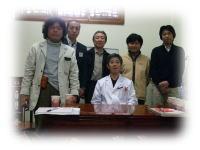 周先生(中央)の講義