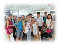 福岡空港にて、訪日団の皆さんと